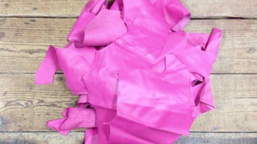 chutes de cuir d'agneau rose fushia maroquinerie luxe cuir en stock