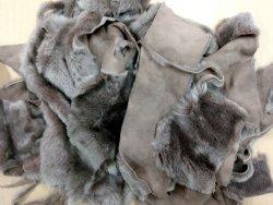 Chutes de cuir d'agneau laine taupe