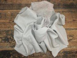 Chutes de cuir de vache gris perle