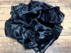 chutes de cuir de veau poil noir maroquinerie vêtement accessoire cuir en stock