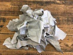 chutes cuir peau veau argent grainé galuchat cuir en stock