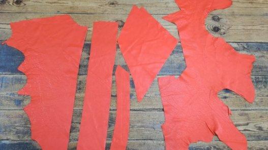 morceaux de cuir de vache orange maroquinerie Cuirenstock