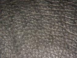 cuir bubble noir crispé cuir en stock maroquinerie vêtement