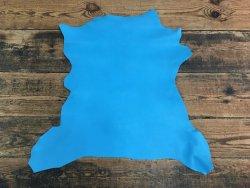 peau de cuir de chèvre bleu turquoise maroquinerie accessoire cuir en stock