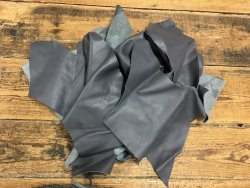 Chutes de cuir de veau gris
