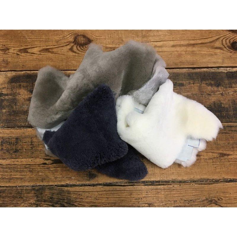 chute de cuir mouton lainé divers couleurs accessoire maroquinerie cuir en stock