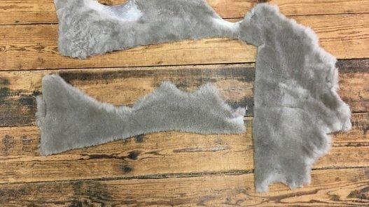 morceaux de cuir mouton laine taupe accessoire chausson Cuirenstock