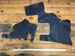 morceau de cuir de vache naturel huilé bleu maroquinerie français cuir en stock
