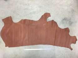 Demi-peau de cuir de vache naturel brun Cuir en stock