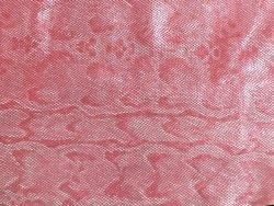 Bande de cuir de vache grain serpent rose