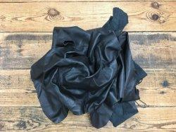 Chutes de cuir de veau noir