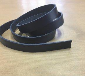 Bande de cuir 130 cm bleu marine