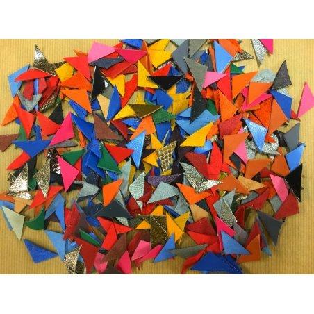 Lot surprise de 10 triangles de cuir 3 x 2 cm