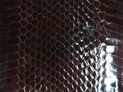 Peau de cuir de serpent brun