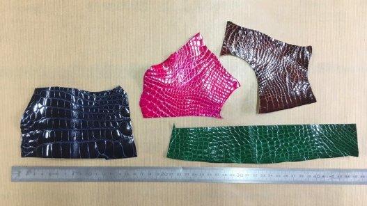 morceaux peau de cuir crocodile colorés accessoire bijoux exotique luxe Cuir en Stock