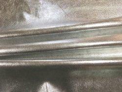 Peau de cuir d'agneau stretch métallisé argent