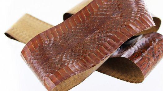 peau cuir de serpent marron Cuir en Stock