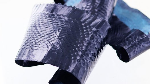 vente peau de cuir de serpent bleu marine cuirenstock