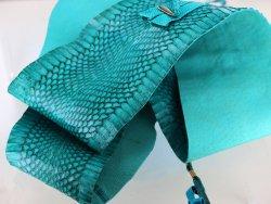 ceinture en cuir de serpent bleu turquoise cuirenstock