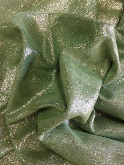 cuir pailleté veau velours argenté vert amande Cuir en Stock