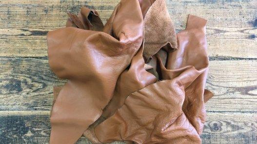 chutes de cuir de vache chamois camel maroquinerie ameublement cuirenstock