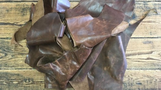 chutes cuir vaches ciré brun pull-up maroquinerie ameublement cuir en stock