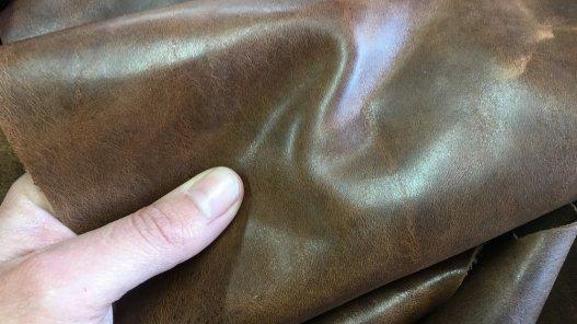peau de cuir de vache ciré brun pull-up maroquinerie ameublement Cuirenstock
