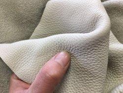 peau de cuir de vache blanc cassé maroquinerie ameublement cuirenstock