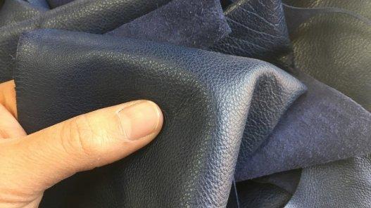 peau de cuir de veau bleu marine maroquinerie ameublement Cuirenstock