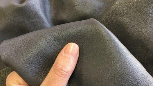 peau de cuir de veau gris maroquinerie ameublement Cuirenstock