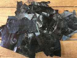 chutes de cuir de lézard noir exotique bijoux accessoire luxe cuir en stock