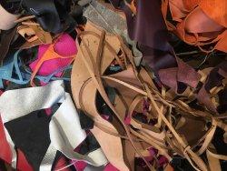 morceaux de cuir divers couleurs accessoire cuirenstock