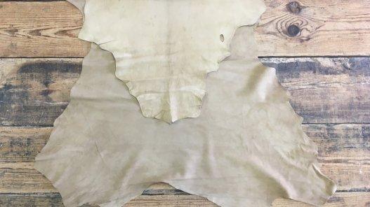 peau de cuir de chèvre velours beige maroquinerie accessoire Cuir en Stock