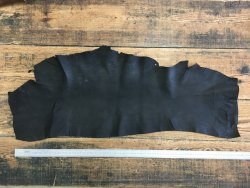 peau de cuir de porc sauvage pécari noir ciré Cuirenstock