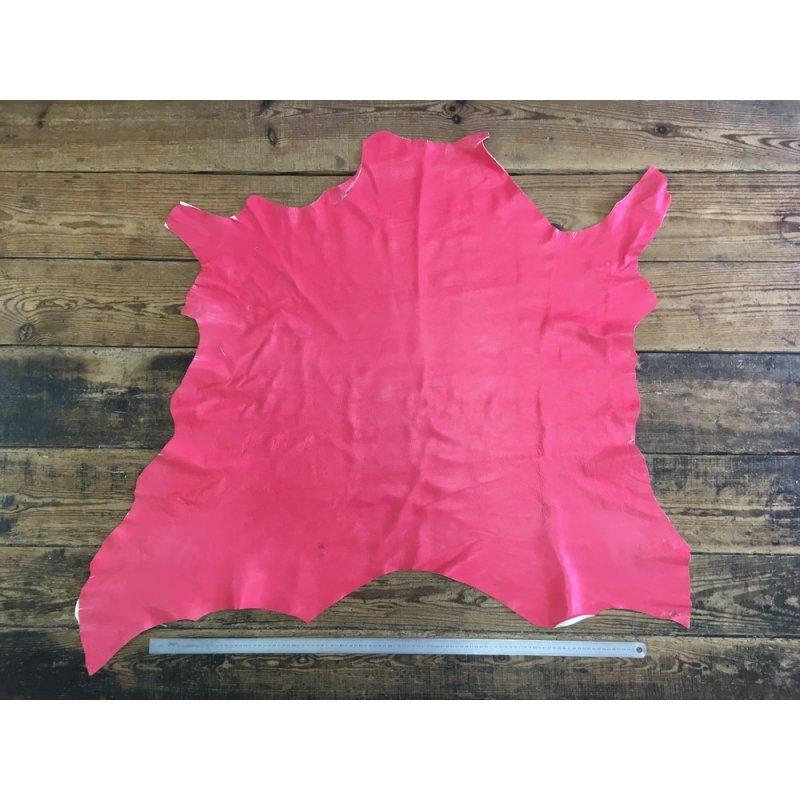 peau de cuir de cerf rose fushia maroquinerie cuir en stock