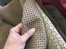 morceaux de cuir perforé divers coloris maroquinerie Cuir en Stock