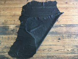 peau de cuir de cerf noir maroquinerie accessoire vêtement Cuir en stock