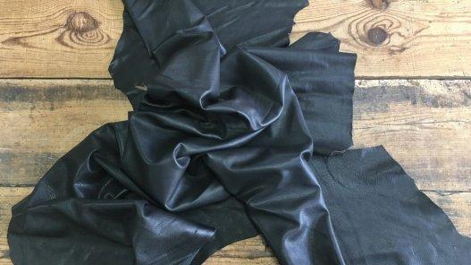 peau de cuir de cerf noir maroquinerie accessoire vêtement Cuirenstock