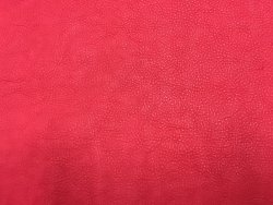 peau cuir buffle rouge qualité maroquinerie luxe cuir en stock