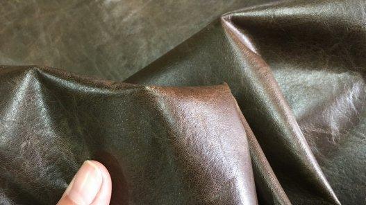 morceau de peau de cuir d'agneau ciré antique brun vêtement accessoire Cuirenstock