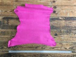 peau de cuir de chèvre rose fushia maroquinerie cuir en stock