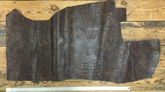 bande de cuir de vache façon crocodile brun vieilli maroquinerie accessoire cuirenstock
