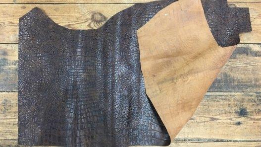 grand morceau de cuir de vache imitation crocodile brun maroquinerie accessoire Cuir en Stock