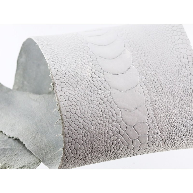 peau de cuir de patte d'autruche blanc mat exotique maroquinerie accessoire cuir en stock