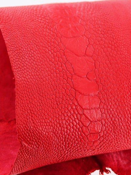 dec842f58c peau de patte d'autruche rouge mat maroquinerie accessoire luxe exotique  cuir en stock