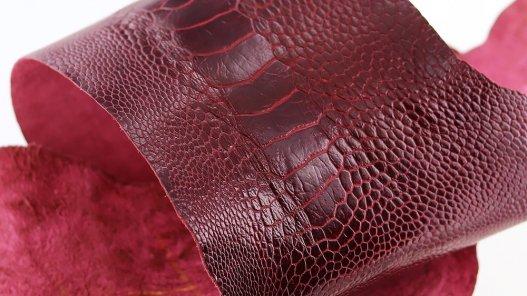 peau de patte d'autruche bordeaux brillant maroquinerie accessoire exotique luxe cuir en stock