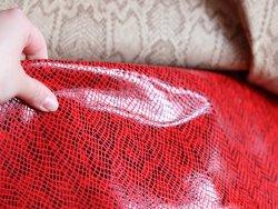 cuir imitation grain serpent rouge cuirenstock