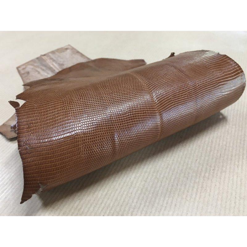 peau de cuir de lézard caramel accessoire bijoux cuir en stock