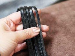Assortiment de lanières lacets de cuir couleur noire cuirenstock
