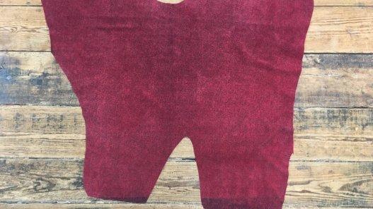 veau velours moucheté rouge et noir Cuir en stock